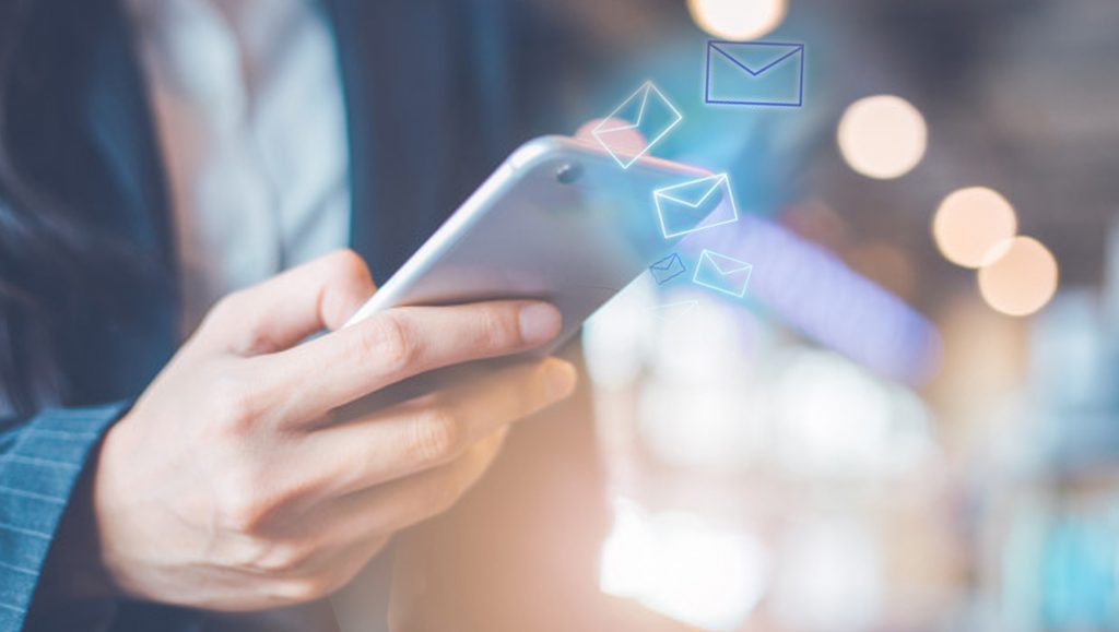 10 Tips for Using Messaging Apps in Customer Care