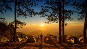 tent-camp-morning-hikers-waking-up